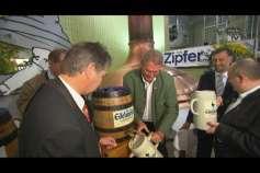 Bockbieranstich in der Zipfer-Brauerei