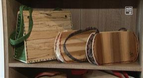 Holzhandtaschen aus Unterweißenbach – Ehepaar Hackl