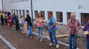 Aktion Bücherwurm - Übersiedlung in die neue Bibliothek Lichtenberg