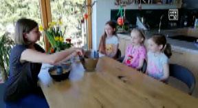 Netter Ostergruß der VS1 Freistadt an ihre Schülerinnen und Schüler