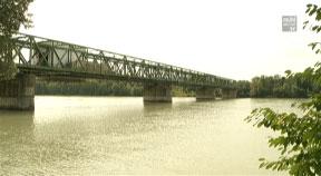 Neue Donaubrücke in Mauthausen
